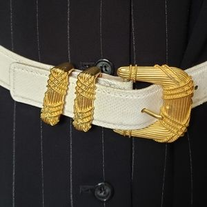 Carlisle White Textured Bold Gold Buckle Belt - S